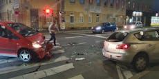 Autocrash in Wien: 71-jährige Frau musste ins Spital