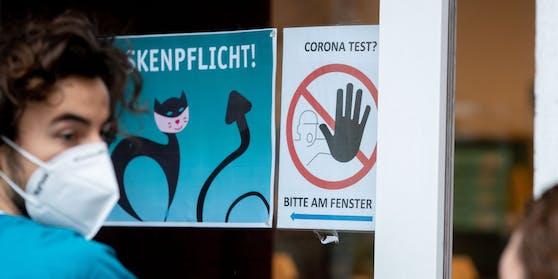 Die Gesamtzahl der erfassten Corona-Toten in Deutschland seit Beginn der Pandemie stieg laut den jüngsten Angaben des RKI auf 32.107.