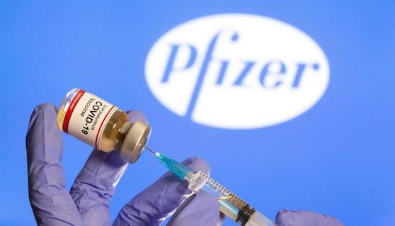 Bei der klinischen Studie, die Pfizer/Biontech selbst durchführte, nahmen 44.000 Menschen teil.