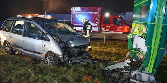 In der Nacht auf Donnerstag kam es auf der A1 Westautobahn bei Laakirchen (Oberösterreich) zu einem tödlichen Verkehrsunfall.