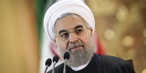 Der Iran geht offenbar weiter auf Konfrontationskurs: Der iranische Präsident Hassan Ruhani an einem Treffen mit der Corona-Taskforce seines Landes.