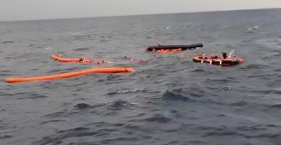 An Bord des Bootes sollen mehr als 120 Menschen gewesen sein, darunter auch Kinder.