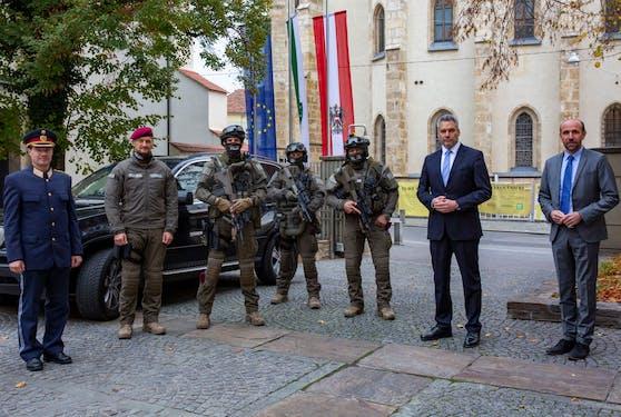 Das Einsatzkommando Cobra mit Innenminister Karl Nehammer in Graz