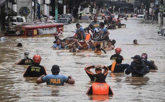 Der Taifun sorgte für schwerste Überschwemmungen rund um die Hauptstadt Manila.