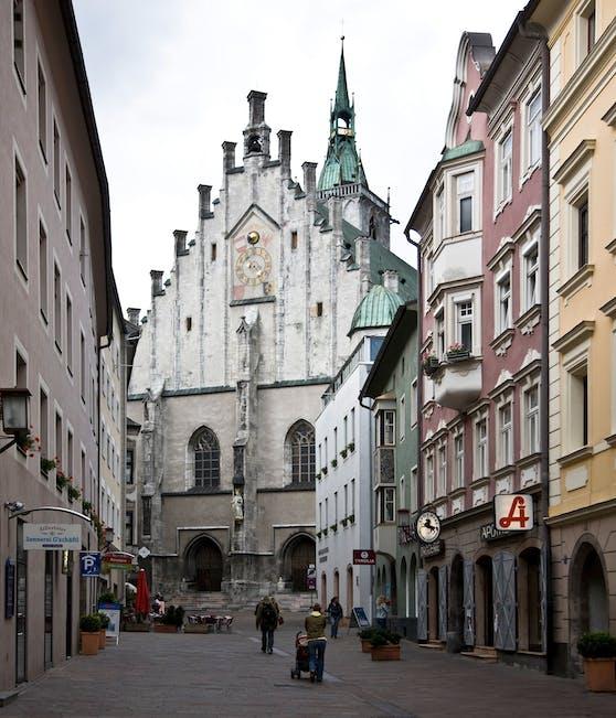 Die Pfarrkirche Mariä Himmelfahrt in Schwaz, Tirol