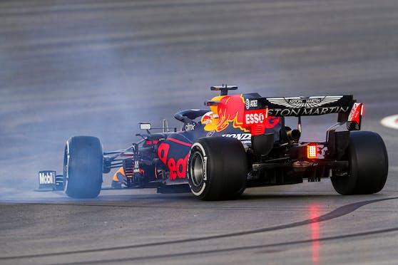 Max Verstappen drehte sich in Istanbul, fuhr später zur Bestzeit.