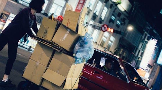 Die Jugendlichen ließen vor Türen abgestellte Pakete mitgehen.