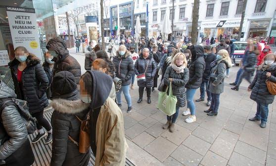 """Shopping-Wahnsinn in Wien. Zu diesen Bildern sagen die Experten: """"Sie zeigen, dass es Maßnahmen braucht."""""""