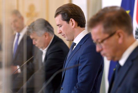 """Das """"Virologische Quartett"""" mit Innenminister Karl Nehammer, Vizekanzler Werner Kogler, Bundeskanzler Sebastian Kurz und Gesundheitsminister Rudolf Anschober (v.l.n.r.)"""