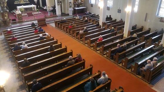In der katholischen Kirche wird es in den nächsten drei Wochen keine Gottesdienste geben.