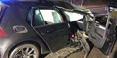 18-Jährige überschlagen sich mit ihrem Auto