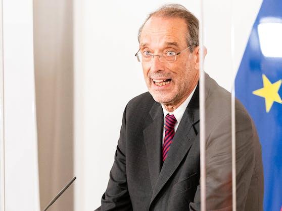 Bildungsminister Heinz Faßmann weiß noch nicht, wann die Schulen wieder öffnen werden.