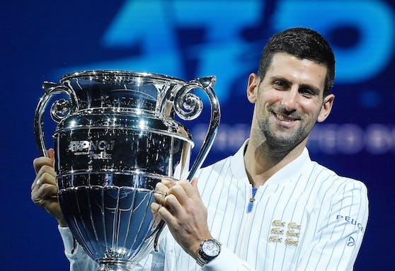 Djokovic und seine sechs goldenen Krokodile auf der linken Brust.