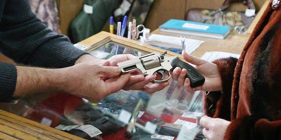"""Waffen und Munition sind laut Verordnung """"systemrelevant""""."""