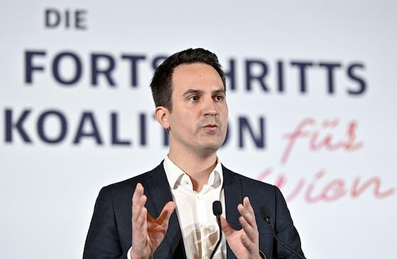 NEOS-Wien Parteiobmann Christoph Wiederkehr bei der Pressekonferenz nach der Koalitionseinigung am 16. November 2020
