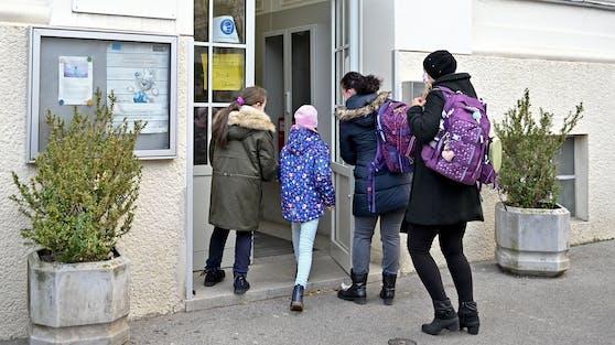Erst ab 8. Februar sollen die Kinder wieder in die Schule zurückkehren.