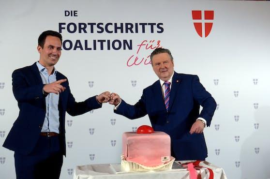 Koalition mit Punschkrapferl: Bürgermeister Michael Ludwig (SPÖ) und Neos-Wien-Parteiobmann Christoph Wiederkehr.