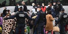 Pariser Polizei räumt Zeltlager mit über 2000 Migranten