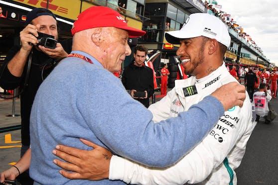 Niki Lauda mit Lewis Hamilton