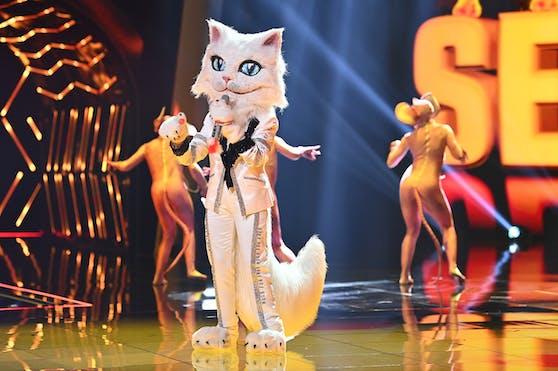 """Die Katze wollte mit """"Sexbomb"""" ins """"Masked Singer""""-Finale, musste ihre Verkleidung aber kurz vor der letzten Etappe ablegen."""