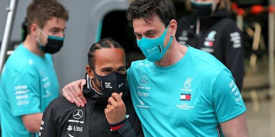 Erfolgs-Duo: Toto Wolff (r.) und Lewis Hamilton