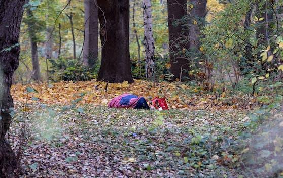 Die Elfjährige übernachetet im eiskalten Freien.