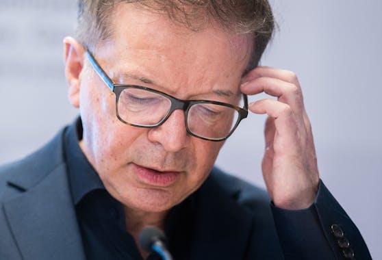 Gesundheitsminister Rudolf Anschober (Grüne) sagt, dass die Neuinfektionen jetzt stark sinken müssen.
