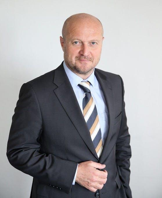 Gernot Fischer,Bakk. Phil. MBA
