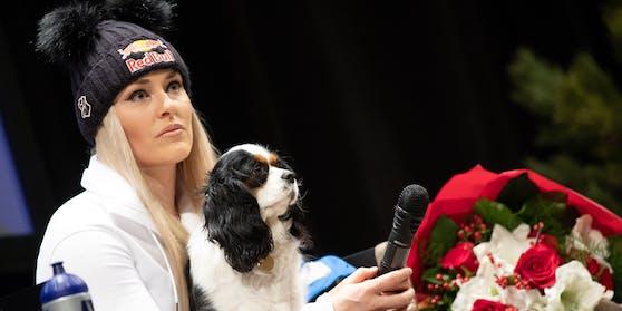 Hunde-Närrin Lindsey Vonn mit Lucy.