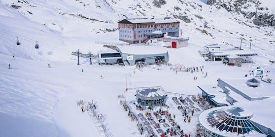 Übersicht am Skigebiet Kitzsteinhorn, aufgenommen am 21. Oktober 2020