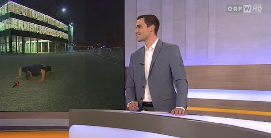 Lukas Lattinger muss grinsen, als Martin Lang vor dem Happel-Stadion Liegestütze macht.