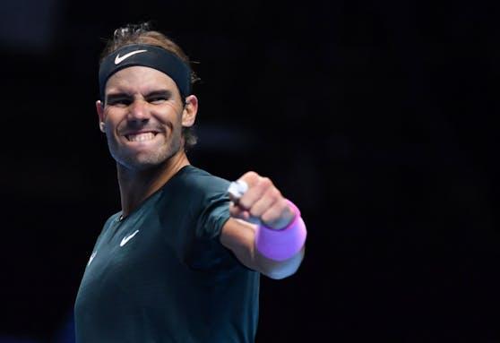 Rafael Nadal jubelt über den Aufstieg.