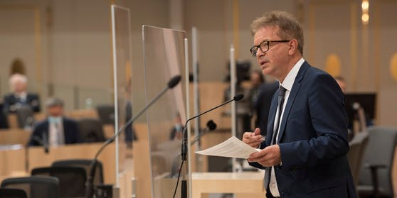 Rudolf Anschober bei einer Rede bei einer Sitzung des Nationalrates
