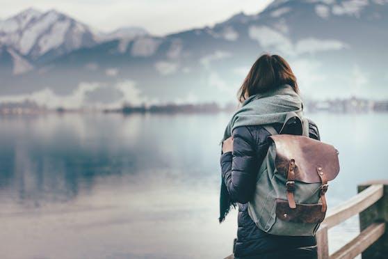 Eine Reisebloggerin hat ein geniale Idee, um sich die Zeit mit dem Corona-bedingten Fernweh zu vertreiben.