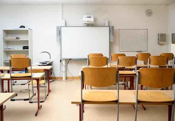 In der Oberstufe werden die Schülerinnen und Schüler zurück in die Schule geholt, zumindest tageweise.
