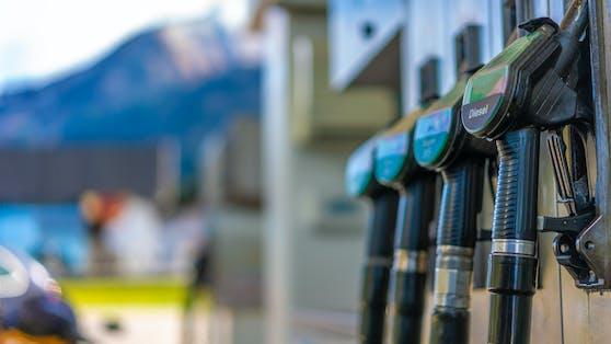 Ein Ölstreit hebt derzeit die Spritpreise an