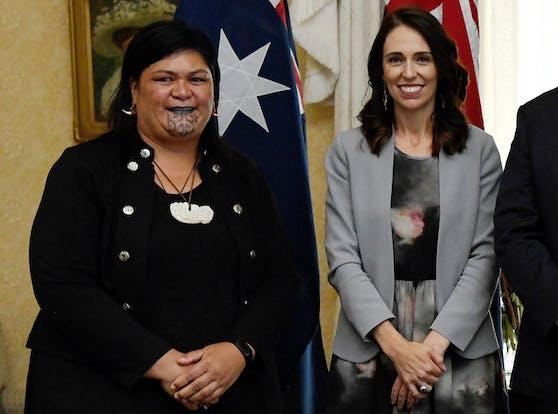 Die neue Außenministerin Neuseelands Nanaia Mahuta und Premierministerin Jacinda Ardern.