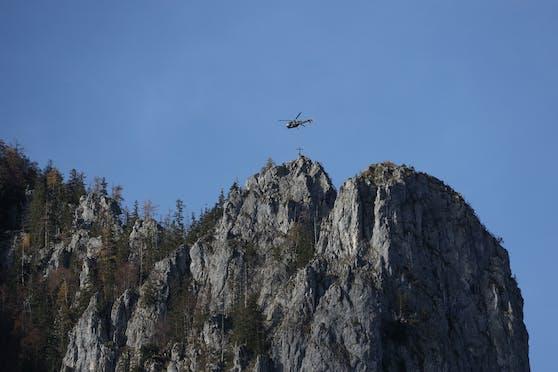 Im Bezirk Kirchdorf läuft derzeit die Suche nach einem vermissten Bergsteiger.