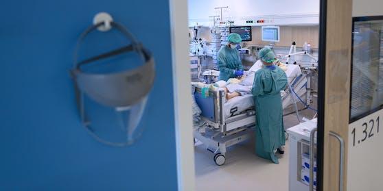 Blick in ein Intensiv-Zimmer im Spital (Archivfoto)