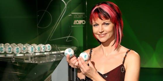 """ORF-""""Lotto""""-Moderatorin Evelyn Vysher brachte zwei OberösterreicherInnen Glück"""