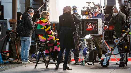 """Die Dreharbeiten zur neuen """"Germany's Next Topmodel""""-Staffel mit Heidi Klum mussten wegen Corona-Fällen ausgesetzt werden."""