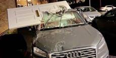 Bub fährt nach Autounfall mit Haustür in Scheibe weiter