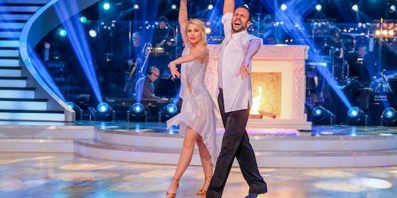 """Finalistin Silvia Schneider bringt 4 Kilo weniger auf die Waage, als vor """"Dancing Stars""""."""