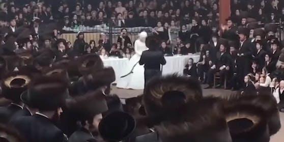 Das Video der Hochzeit in der Synagoge macht in den sozialen Medien die Runde.