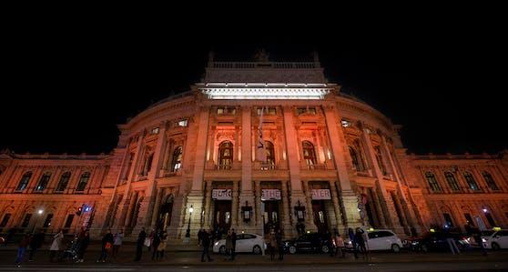 Wien leuchtet zwei Wochen orange - gegen Gewalt an Frauen.