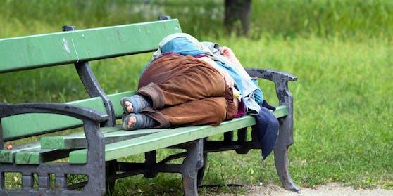 Zwei Freundinnen wollten einem Obdachlosen etwas zu essen bringen. (Symbolfoto)