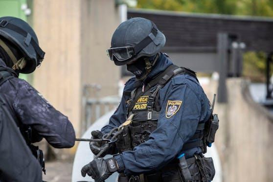 WEGA-Beamte nahmen den mutmaßlichen Täter widerstandslos fest.
