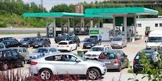 Messer-Mann überfällt Tankstelle an der A2 Südautobahn
