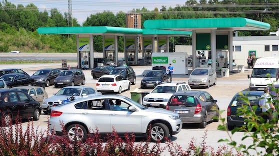 Eine Tankstelle an der Südautobahn. Symbolbild