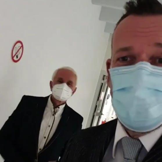 Robert Kratky machte vor der Gala ein Selfie mit Klaus Eberhartinger